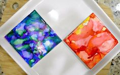 "You can make beautiful ""painted"" tiles with Sharpies and rubbing alcohol. This full tutorial will show you how to paint with Sharpies and alcohol! Sharpie Crafts, Diy Crafts, Sharpie Art, Sharpie Projects, Sharpie Doodles, Sharpie Glass, Sharpie Nails, Simple Crafts, Alcohol Ink Crafts"