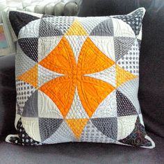 Polštař je hotov:-). Pillow is done:-).#pillows #pillow #mppatchwork #patchwork #quilting ##windingways #homemade #homedecor