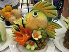 carving, fish - -fruit carving, fish - - pictures of food carved to look like fantasy animals Fruit Sculptures, Food Sculpture, Edible Crafts, Edible Art, Palm Tree Fruit, Deco Fruit, Food Art For Kids, Watermelon Carving, Watermelon Art