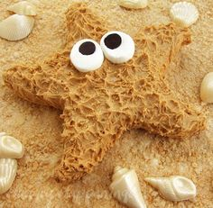 A peanut butter fudge starfish - how cute is this?! Perfect for Labor Day beach parties!