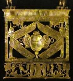 Tanis, Psussenes pectoral in openwork gold, with colorful inlays, height 12cm.