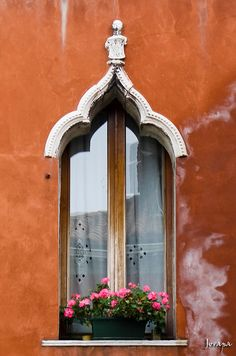 Venice, Italy Veneto ..rh... @ivannairem .. https://tr.pinterest.com/ivannairem/windows/