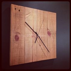 DIY Pallet Clock