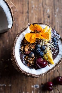 Overslept and need an easy breakfast idea? These healthy smoothie bowls take minutes to prepare and will power you through the day.