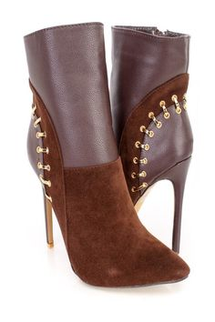Fall Booties Collection These sexy and stylish single sole stiletto heel booties feature a velvet fabric upper with a pointed closed toe, faux leather Pretty Shoes, Cute Shoes, Me Too Shoes, Ankle Booties, Bootie Boots, Shoe Boots, Fall Booties, Studded Heels, Unique Shoes