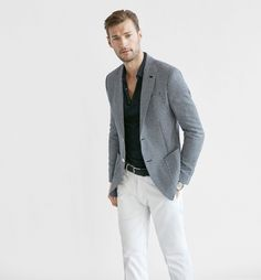 Men's blazers for Spring/Summer 2020 at Massimo Dutti, must-haves this season. Formal or casual blazers for men in navy blue, brown or grey. Grey Blazer Mens, Grey Blazer Outfit, Blazer Outfits, Mens Smart Outfits, Trendy Outfits, Summer Suits, Outfit Combinations, Blazers For Men, Sports Jacket