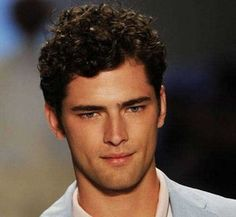 15 Male Celebrities With Curly Hair | Mens Hairstyles 2016 http://www.99wtf.net/men/inspirations-stylish-mens-hairstyles-thick-hair/