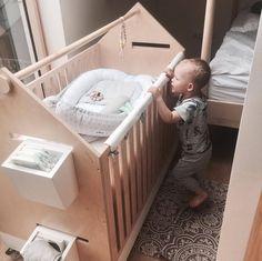 Kokon niemowlęcy z haftowanego batystu <3 all for kids kids room babynest kokon niemowlęcy kokon dla niemowląt wyprawka haftowany cotton bawełna deco decoration leżaczek baby crib łóżeczko niemowlę niemowlęce baby girl baby boy Bassinet, Toddler Bed, Babe, Vogue, Furniture, Home Decor, Baby Nest, Child Bed, Crib