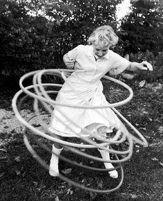 Hula hooping, 1959