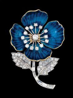 Art Nouveau diamond-set enamelled brooch