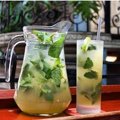 The Classic 🍃 - Pressed Sugar Cane, Fresh Lime Juice, Mint, Cuba Libre White Rum, & splash of Soda 😋 - many other Flavors Mojito Pitcher, Pitcher Margarita Recipe, Pitcher Drinks, Margarita Recipes, Cocktail Vodka, Cuba Libre Cocktail, Virgin Mojito, Cocktail, Recipes