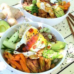 Korejský Bibimbap bowl s mletým masem a tofu Bibimbap Bowl, Tofu, Cobb Salad, Meat, Chicken, Ethnic Recipes, Cubs