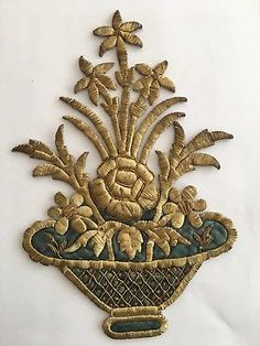 19th C ANTIQUE OTTOMAN TURKISH GOLD METALLIC HAND EMBROIDERY F APPLIQUE 24cm No1