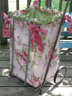 Sweet market cart with pretty liner (good idea maybe not so frilly for me) so many ppl have these carts wouldnt it be nice to NOT display all of your purchases to the world?!!!!!!