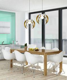 Lampadario Sospeso modello SFERA in policarbonato e plexiglass colorato di design, minimal. È un prodotto personalizzabile realizzato artigianalmente con passione. Il design esprime eleganza