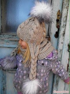Beautiful Crochet Pattern of little girl's winter hat. This is the cutest knitted piece i've seen in forever! Crochet Kids Hats, Crochet Girls, Knitting For Kids, Baby Knitting, Crochet Baby, Knitted Hats, Knit Crochet, Cardigan Bebe, Knitting Patterns