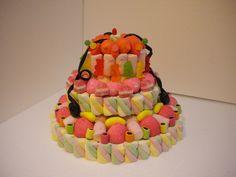 torta di caramelle #orsetti #caramelle #gummibear #cake #torta #cakedesign  http://www.lemilleeunamella.it/