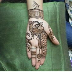 64 Latest Peacock Mehndi Design to try in 2018 for hands and feet - Wedandbeyond Palm Mehndi Design, Peacock Mehndi Designs, Basic Mehndi Designs, Back Hand Mehndi Designs, Mehndi Designs For Beginners, Mehndi Design Pictures, Mehndi Designs For Girls, Wedding Mehndi Designs, Dulhan Mehndi Designs