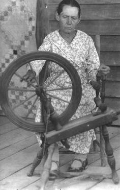 Mary Willmott, spinner, weaver and quilter; Berea, Kentucky