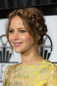 How to get the red carpet hairstyle - braided updo/milkmaid braid like Jennifer Lawrence. Milkmaid Braid, Braided Updo, Braided Hairstyles, Braid Hair, Bun Updo, French Plait Hairstyles, Wedding Hairstyles, Peinado Updo, Celebrity Hairstyles