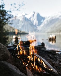 inspiration | travel | vacation | trip | adventure | explore | wanderlust | wild and free | distant places | wanderer | roadtrippin´ | mountains | fire | fire place | river | river side | cooking |