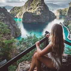 Wanderer in Coron Palawan By ________________________________ Voyage Philippines, Les Philippines, Philippines Travel, Coron Palawan Philippines, El Nido Palawan, Costa Rica Travel, Asia Travel, Philippines Outfit, Costa Rica Pictures