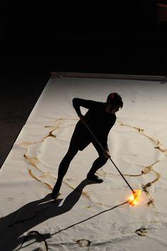 etsuko ichikawa. drawing with hot glass