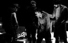 Woyzeck | İstanbul'da Sanat Çağdaş tiyatronun da en önemli yazarlarından Georg Büchner'in Eseri. Versus tiyatro'nun Sahnelediği Bu Oyunda Arda Öztürk, Efsun Kaygusuz, Güneş Kozal, Gökhan Gürün, Kayhan Berkin, Kerim Urun, Kubilay Çamlıdağ, Olcay Yusufoğlu, Oral Özer, Şevket Süha Tezel Rol Alıyor