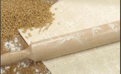 Ζύμη για φύλλο κρούστας Greek Recipes, New Recipes, Pie Crust Dough, Bread Dough Recipe, Rolling Pin, Sweets, Cookies, Pastries, Foods