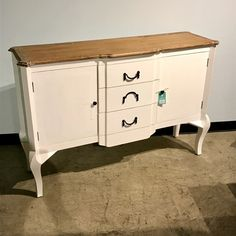 Buffet with Three Drawers and Two Doors - Nadeau Raleigh