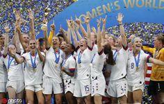 2019 World Cup Champions Girls Soccer Team, Usa Soccer Team, Team Usa, Soccer Players, Soccer Goalie, Usa World Cup, Fifa Women's World Cup, Usa Girls, Usa Today Sports