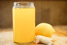 A great refreshing spring/summer drink to add to your cocktail menu, turmeric and ginger lemonade. Delicious and beneficial! Turmeric Lemonade, Ginger Lemonade, Lemonade Drink, Cleanse Recipes, Tea Recipes, Ginger Drink Recipe, Turmeric Spice, Turmeric Tea, Lemon Detox