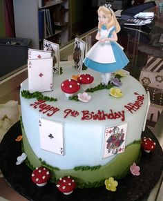 https://flic.kr/p/E84dry | Alice in Wonderland Cake
