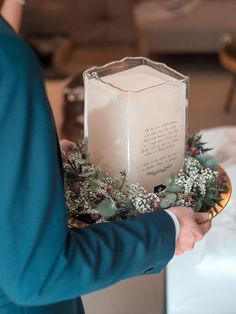 Unsere Kerzen werden nach Ihren Wünschen gestaltet und glasgraviert.Nachgravieren kann man das Glas auch jederzeit, seien es die Geburtstage der Kinder oder Wünsche, Widmungen, Textpassagen, Symbole, etc. - Ihrer Fantasie sind fast keine Grenzen gesetzt. Das Glas kann ausserdem auch aufallen vier Seiten graviert werden. Baptism Candle, Dani, Pillar Candles, Table Decorations, Glass, Wedding, Birthdays, Fantasy, Candles