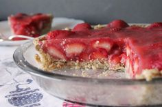Pretty Strawberry Pie will impress your guests and your family. Especially because it has no gelatin!