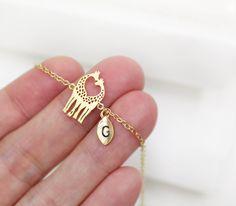 Giraffe Love bracelet (by ElliesButton on etsy.com)