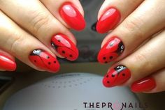 """""""I love bright red drinks, don't you? They taste twice as good as any other color. Fancy Nails, Red Nails, Cute Nails, Pretty Nails, Hair And Nails, Ladybug Nail Art, Animal Nail Art, Easter Nails, Manicure Y Pedicure"""