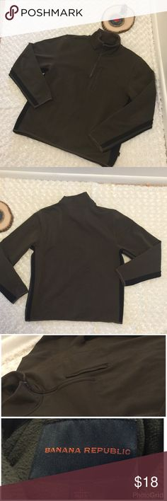 Banana Republic 1/4 Zip Pullover Size Large This pullover is preowned and in gently used condition with some wear (please see photos). Overall in good condition with tuns of life left. Size Large. Fabric: 93% polyester and 7% spandex. Color: Dark green. Banana Republic Sweaters Zip Up