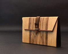Vanity Bag, Diy Vanity, Woodworking Jigs, Woodworking Projects, Wooden Purse, Leather Craft Tools, Wooden Projects, Small Furniture, Wooden Jewelry