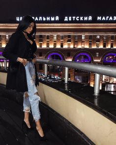 Image shared by Find images and videos about girl, fashion and style on We Heart It - the app to get lost in what you love. Mode Outfits, Fall Outfits, Fashion Outfits, Estilo Rock, Luxury Girl, Insta Photo Ideas, Best Jeans, Cute Casual Outfits, Aesthetic Clothes