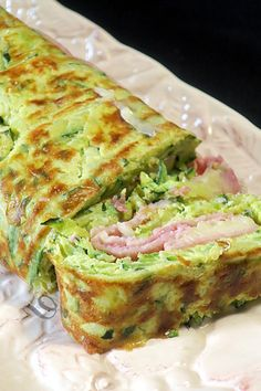 Roulé courgettes, jambon, fromage Rolled zucchini, ham, cheese - bread on the board . or feed his tribe # rolled # ham Easy Healthy Smoothie Recipes, Smoothie Recipes With Yogurt, Healthy Bread Recipes, Breakfast Smoothie Recipes, Zucchini Bread Recipes, Easy Smoothies, Cooking Recipes, Easy Recipes, Healthy Zucchini