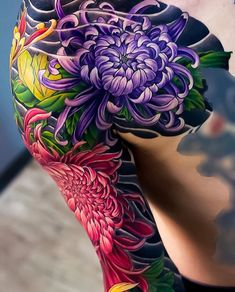 Japan is home to some of the most incredible and detailed Japanese tattoo art. However, it's difficult to find many resources online that offer an in-. Japanese Flower Tattoo, Japanese Tattoo Designs, Japanese Sleeve Tattoos, Sleeve Tattoos For Women, Japanese Tattoo Women, Irezumi Tattoos, Leg Tattoos, Flower Tattoos, Arabic Tattoos
