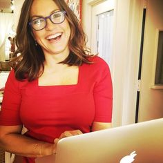 Mariska Hargitay is the most adorable human on the planet. Olivia Benson, Mariska Hargitay, Law And Order, Woman Crush, American Actress, Pretty Woman, Role Models, Lady In Red, Beautiful People