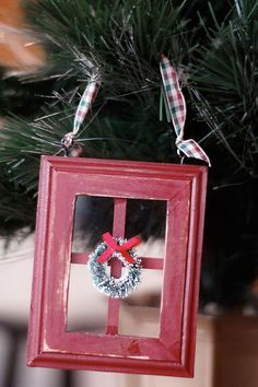 i like this idea of doing an ORNAMENT EXCHANGE party for the holidays. there are many variations of this type of party but by far i like this one the best.