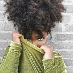 Afro puff cheveux crépus naturels