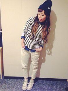 ♬‧*˚✧♬‧*˚✧♬‧*˚✧♬‧*˚✧♬‧*˚✧♬‧*˚✧♬‧*˚✧♬‧*˚✧ ニット帽✎LOWRYS FARM デニムシャツ✎LOWRYS FARM  #winter #navy #WhiteJeans #outfits #style #KnitHats #Converse #striped #DenimShirts #Fashion