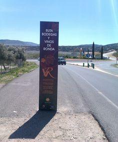 """realizacion de diseño gráfico e instalación de señaletica para la """"ruta de bodegas y vinos de Ronda"""""""