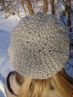 Free Beret Pattern: http://www.ravelry.com/patterns/library/in-bloom-beret-and-cap