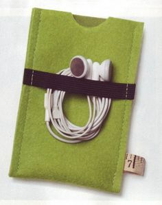 ipod cover - brilliant to add the elastic on the back for the headphones!