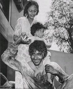 Ab Tak Bachchan | The actor playing Holi with wife Jaya and young Ab | Celebrity Photos